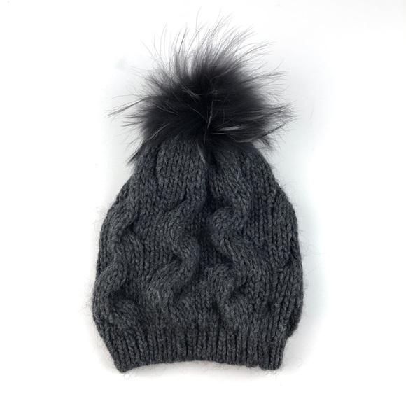 797fb252496 NWT ECHO Asiatic Raccoon Fur Pom Knit Beanie A577